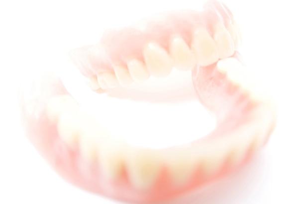 足立区綾瀬の歯医者 新井歯科医院 入れ歯完成